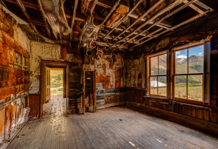 Abandoned 1.jpg