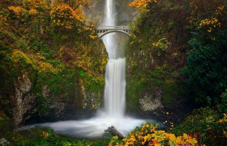 Multnomah Falls, USA