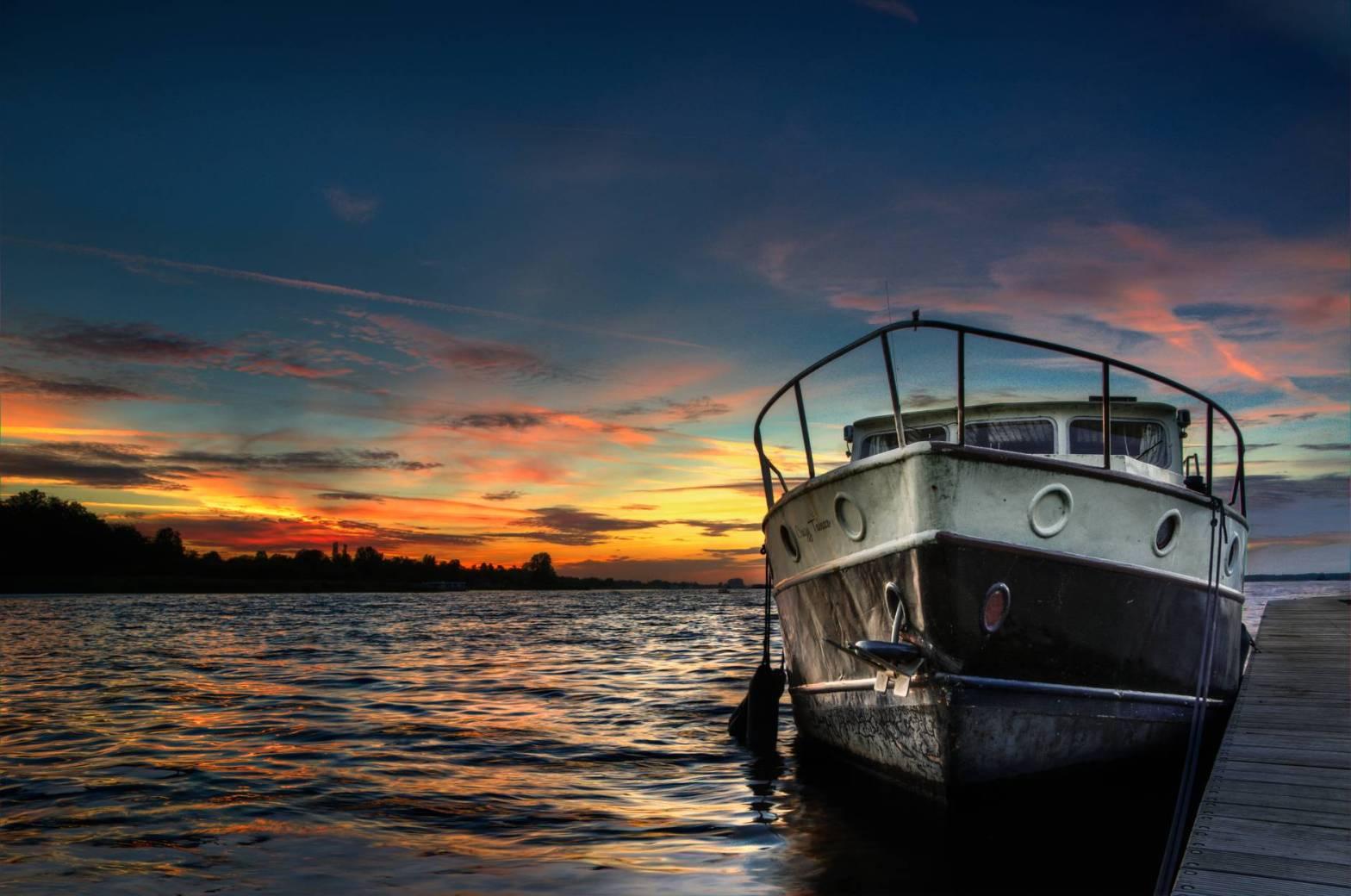 sunset boat lake hdr