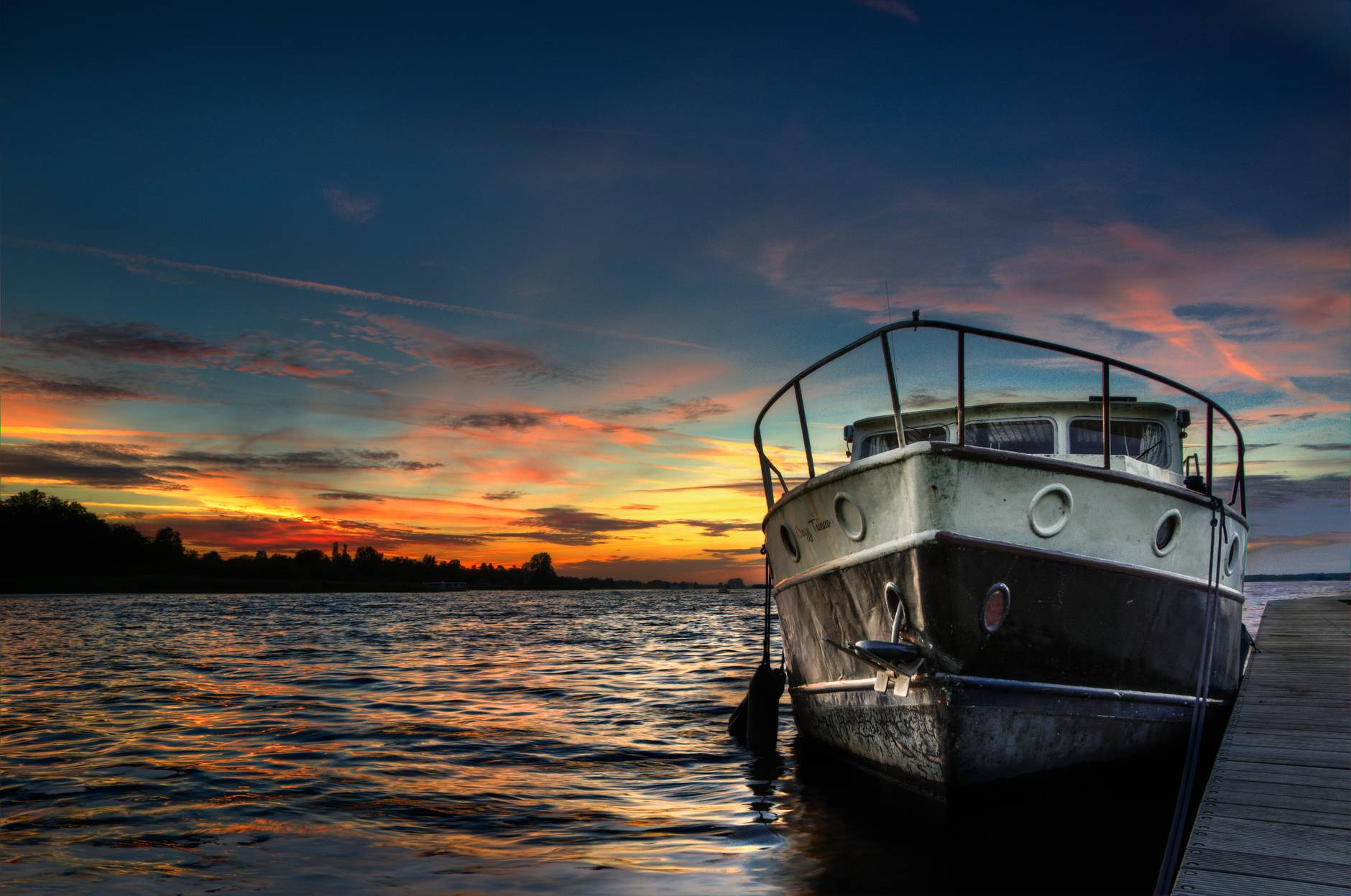 sunset boat lake hdr