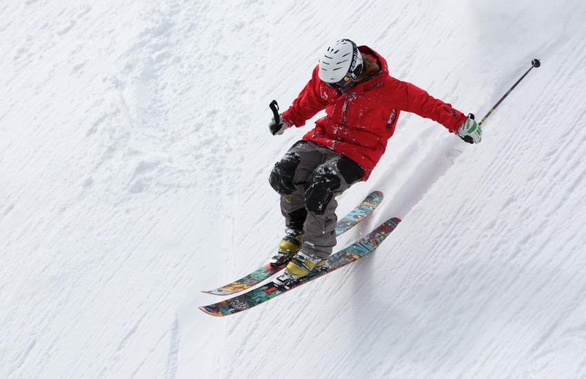 skier freeriding