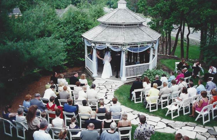 Perfect Elopement ideas at weddingfor1000.com
