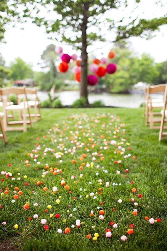 Pom Pom Aisle Runner - weddingfor1000.com