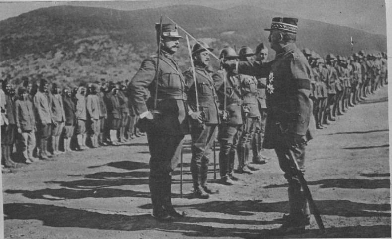 Le général Franchet d'Esperay passe en revue la 5 armée greque en Macédoine en 1918
