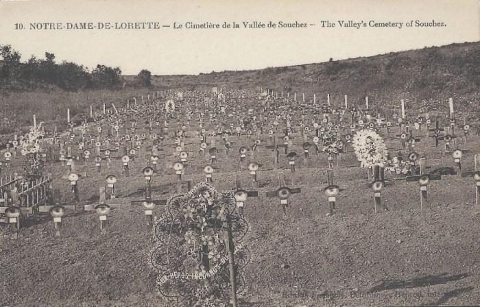 Vendredi 15 octobre 1915. Fréquentes détonations soit de canons, soit de bombes