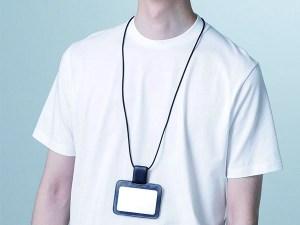 ナノの新作-カードホルダーをかけても首が気にならない