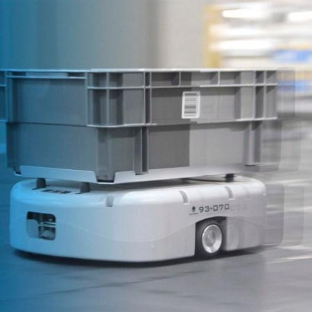 流通サービス AGV 導入で 物流 変革 変わる 環境と生産性
