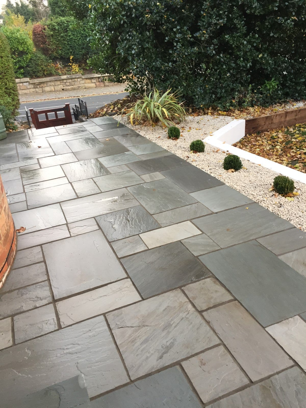 bradstone natural sandstone paver silver grey 900x600 successful garden design
