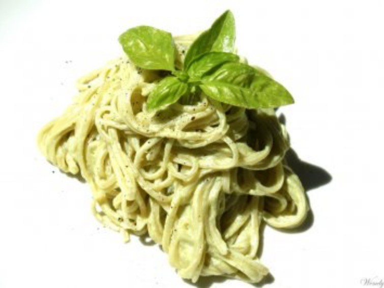 Linguine tossed in a cashew cream with flavors of lemon and basil