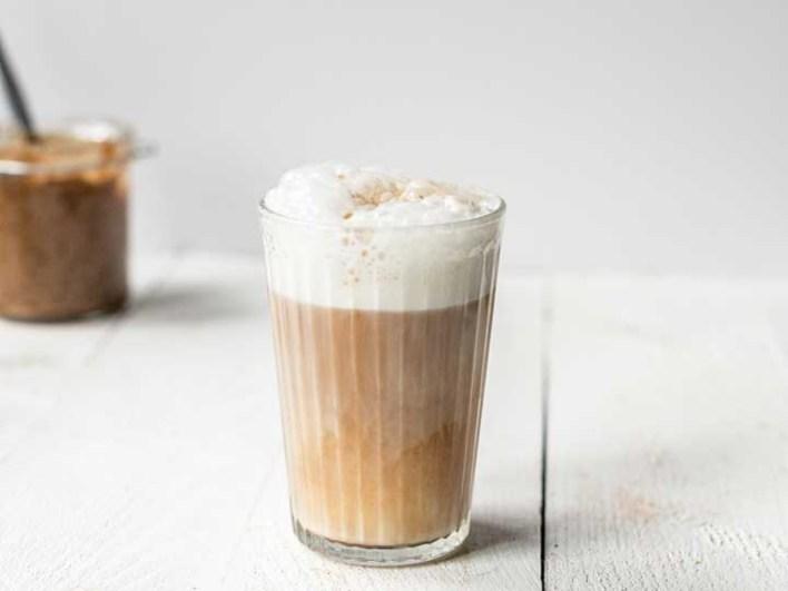 vegan latte macchiato