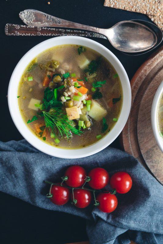 Nourishing Barley Minestrone Soup