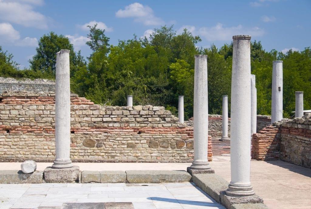 Tall columns at a Roman ruins site.