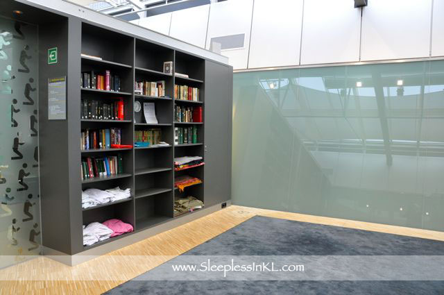 Schiphol -Mediation Center - Reading Corner (1)