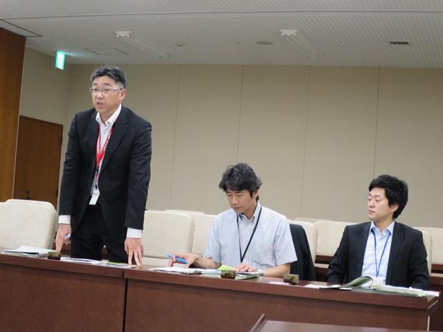 熊本市役所で。都市建設局交通政策総室の皆さんから説明をいただきました