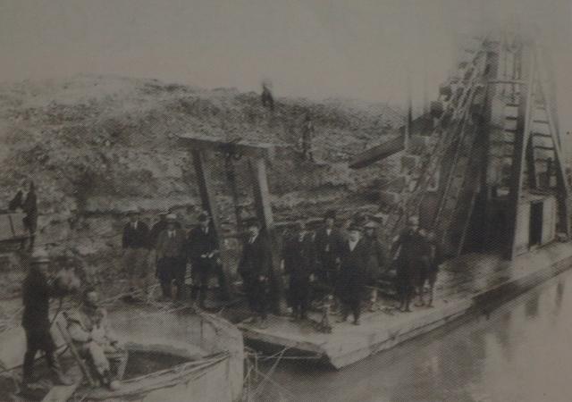 ➡昭和4年、夏目ケ原に工事用資材を運搬。犀川水源から夏目ケ原まで新たに道を開き送水管を埋設【長野市水道100年の歩みより】