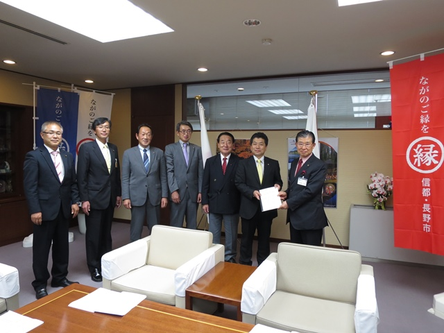 ➡代表以下6人で要望。松木議員は欠席です