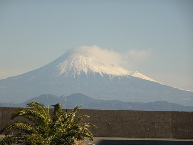 焼津港から見る富士山。1週間前とは様変わりです。