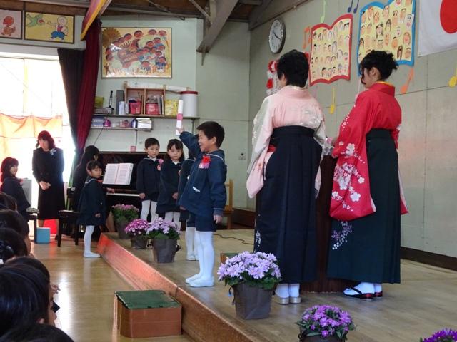 信学会・裾花幼稚園の卒業式より