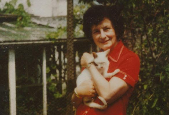 Doreen Tovey & cat