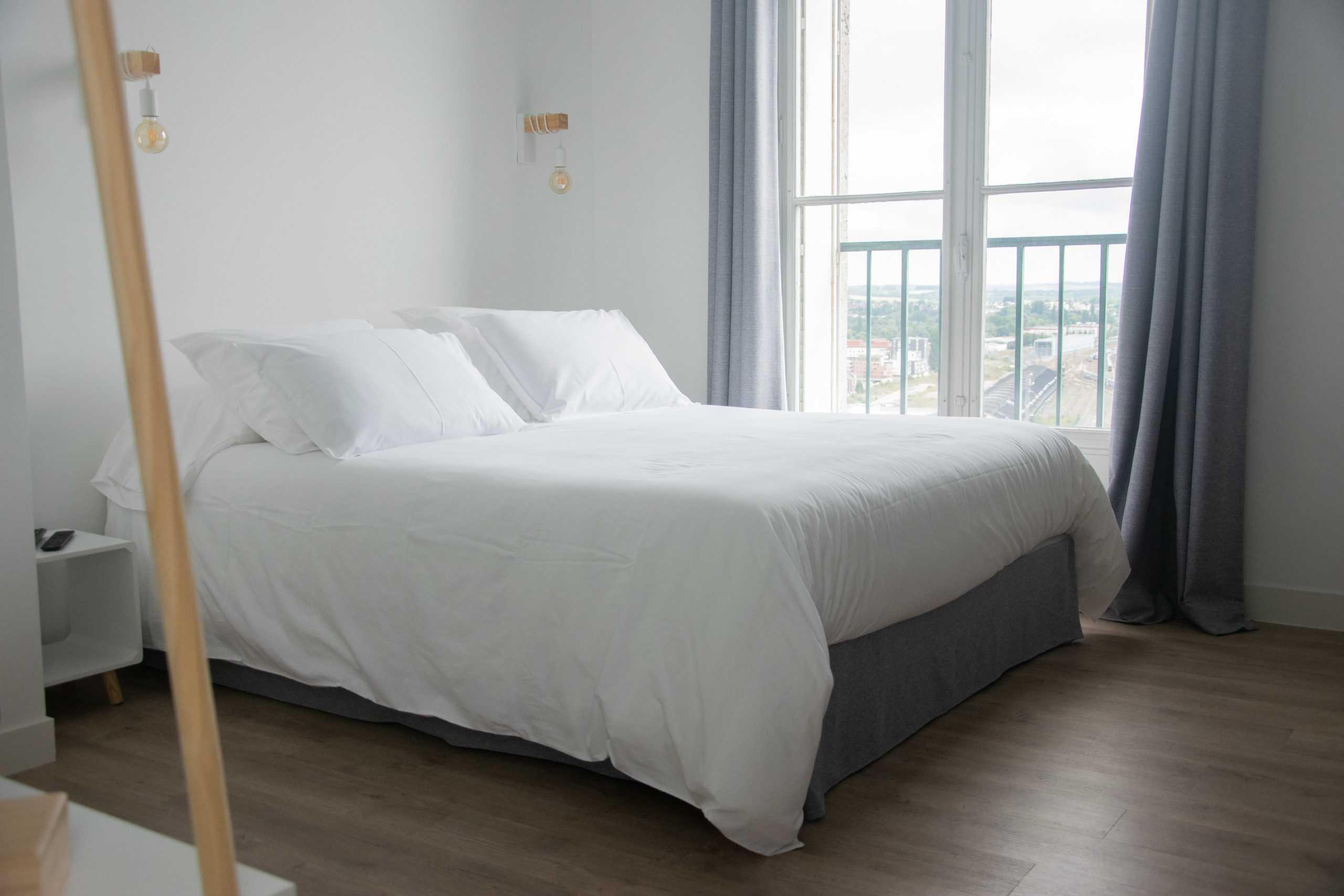 appartement_15eme_droite_tour_perret_amiens_tourisme_lit_chambre_scandinave
