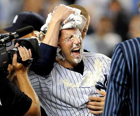 Teixeira gets his first taste of walk off pie.