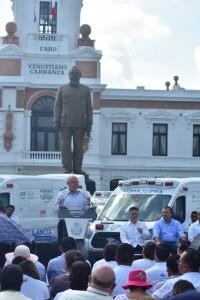 Entrega de ambulancias en Veracruz 1