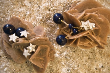 Orecchini argento e zirconi bianchi. Orecchini argento e zirconi bianchi; pietra agata lapilsazzuli.