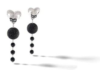 pendenti con mascherine in argento, smalto nero e zirconi bianchi, pietre di onice nero