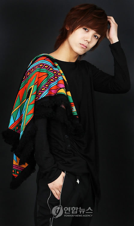 Mireu * Real Name: Bang Chul Yong (방철용) * Date of Birth: March 10, 1991 (1991-03-10) (age 18) * Position: Rap Mir is the younger brother of Korean actress Go Eun Ah