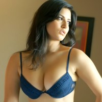 Sunny Leone GiFs for people wanting to know her better