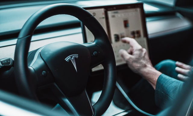 Tesla Smartcars Can Now See And Slow Down To Stop Signs And ...
