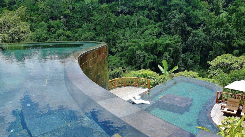 Piscinas-impresionantes-Hanging-Gardens-Bali-Best-Swimming-Pool-