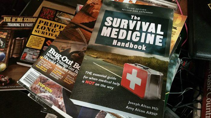 survival, medicine, handbook, Alton, Joe, Amy, prepper, preparedness, SHTF, first aid