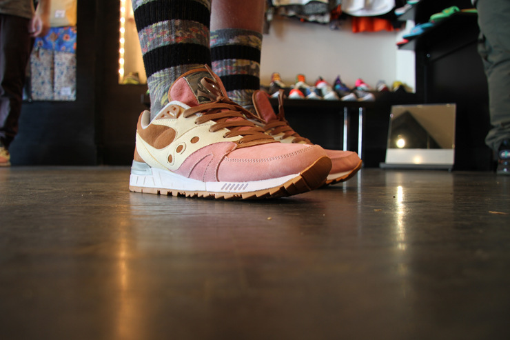 Saucony Shadow Master Space Snack x Extra Butter_21