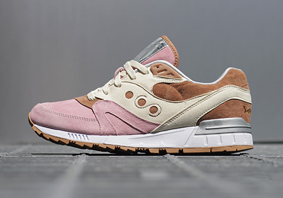 Saucony Shadow Master Space Snack x Extra Butter_61