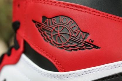 Air Jordan 1 Retro OG Chicago_57