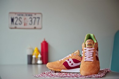 Saucony Shadow 5000 Burger x END_127