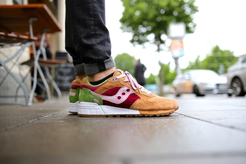Saucony Shadow 5000 Burger x END_25