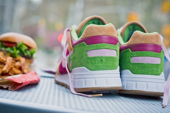 Saucony Shadow 5000 Burger x END_45