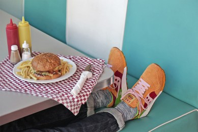 Saucony Shadow 5000 Burger x END_54