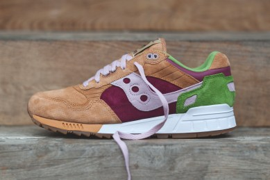Saucony Shadow 5000 Burger x END_69