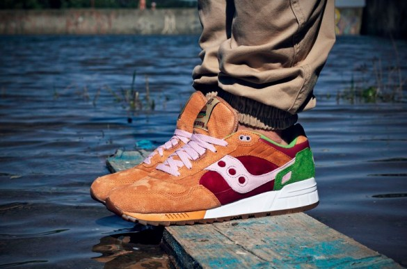 Saucony Shadow 5000 Burger x END_88