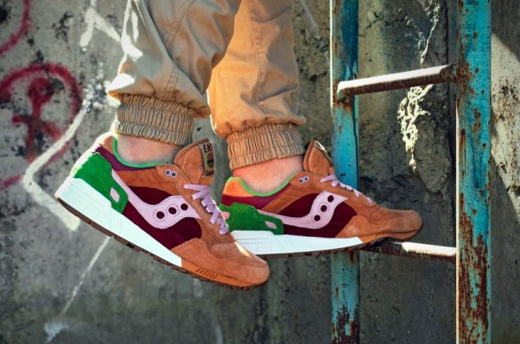 Saucony Shadow 5000 Burger x END_91