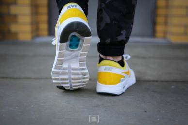Nike Air Max Zero Yellow_05