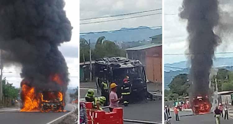 Se incendió bus vía La Tebaida - Armenia