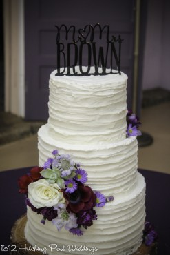 Rustic horizontal textured wedding cake