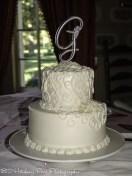 Delicate swirl wedding cake pattern
