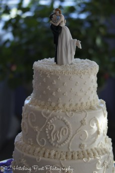 Old fashioned piped cake