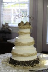 "Raffia ""nest"" wedding cake"