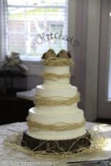 "Raffia ""nest"" wedding cake"